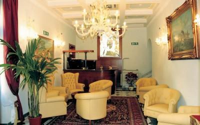 One World Trips - Hotel Donatello | Florence, Italy