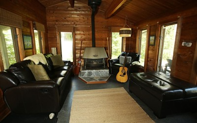 One World Trips - Algonquin Cottage | Algonquin, Canada