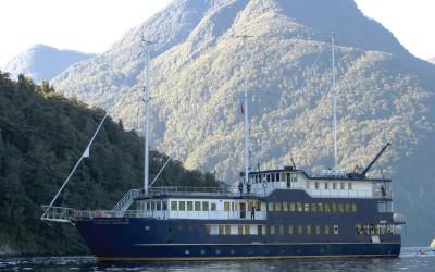One World Trips - Eco Cruise | Doubtful Sound, New Zealand
